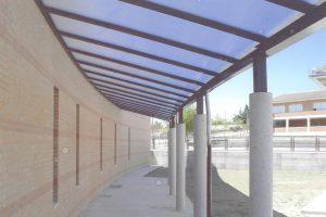 Marquesina del colegio de Torecaballeros (Segovia)